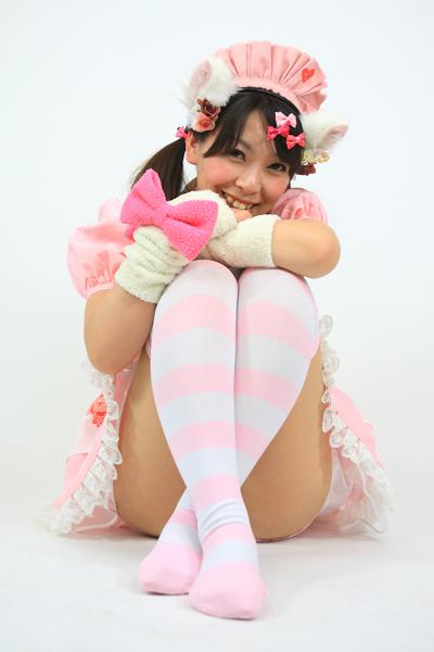 ピンクのメイド